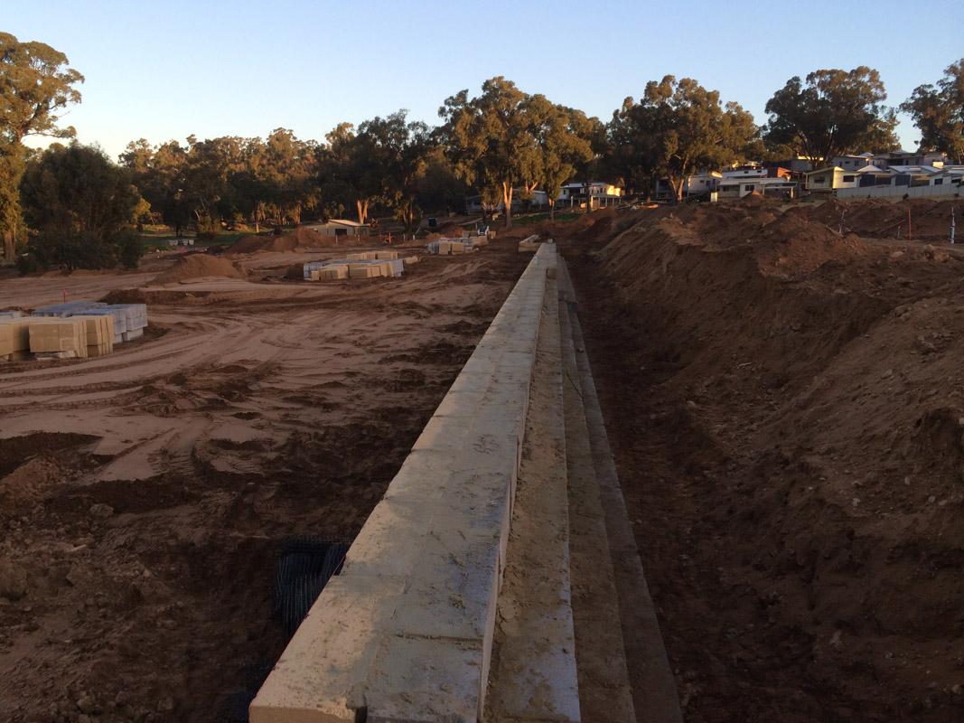 Limestone Retaining Walls Perth   BWC Civil & Earthmoving
